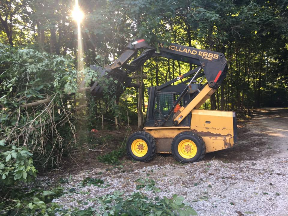 wildcat creek tree service offers a lot clearing & land prepartion service to lafayette IN & tippecaoe county